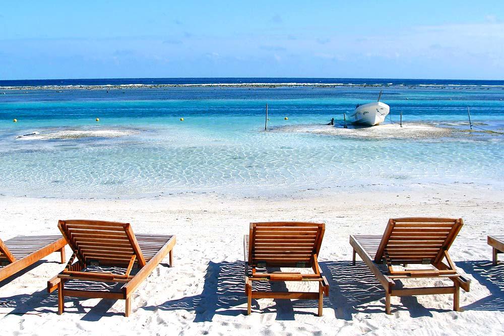 Puerto Morelos white sanded beach